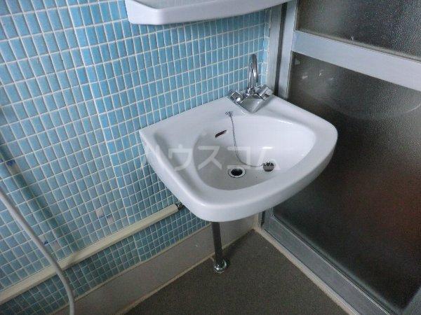 コーポ松栄 201号室の洗面所