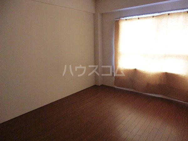 コーポ松栄 201号室の居室