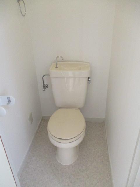 サンハイツ柏原 305号室のトイレ