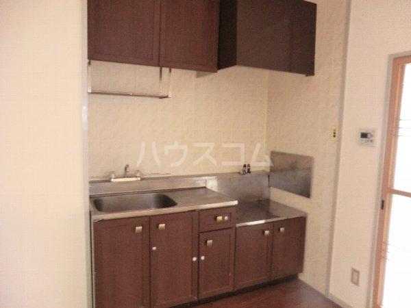 グリーンハイツ春日井 202号室のキッチン