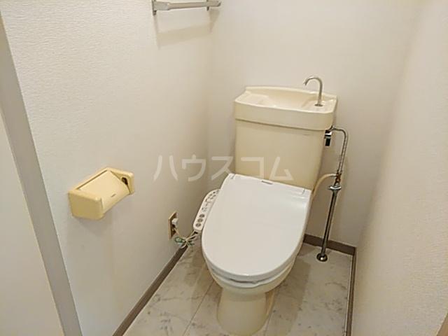 ロイヤルハウス喜多山 202号室のトイレ