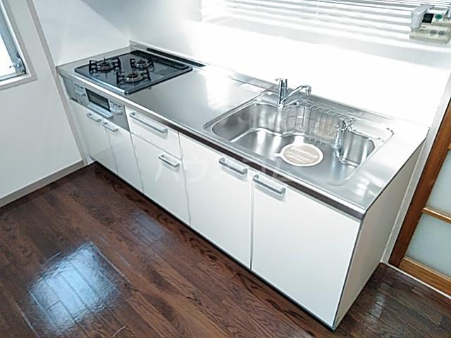 ロイヤルハウス喜多山 202号室のキッチン