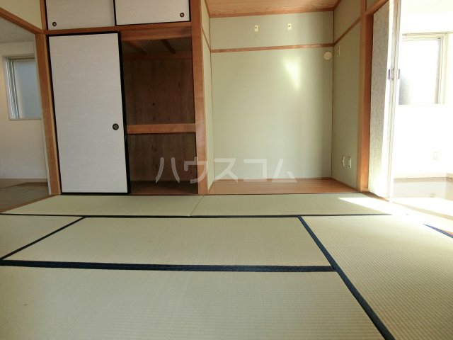 第2サンハイツ戸崎 101号室の居室