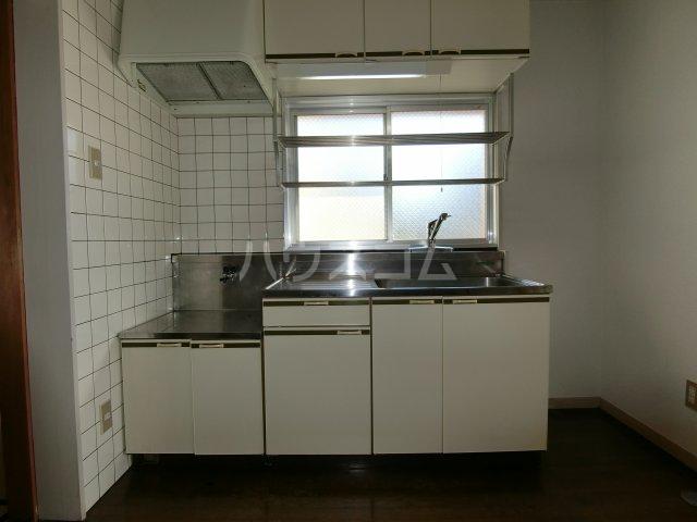第2サンハイツ戸崎 101号室のキッチン