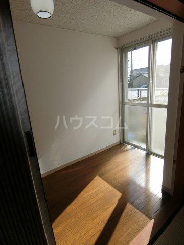 第2サンハイツ戸崎 101号室のベッドルーム
