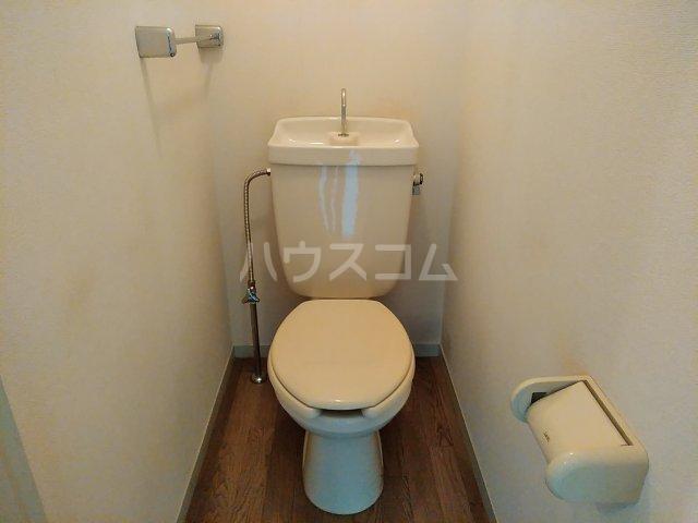 トリヴァンベール小木曽 302号室のトイレ
