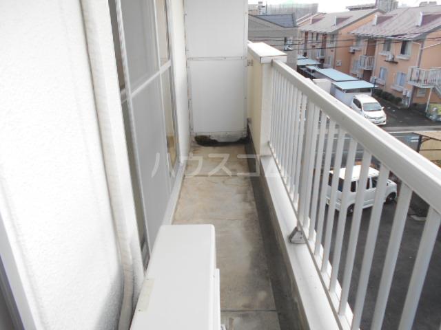 第1サンハイツ戸崎 203号室のバルコニー
