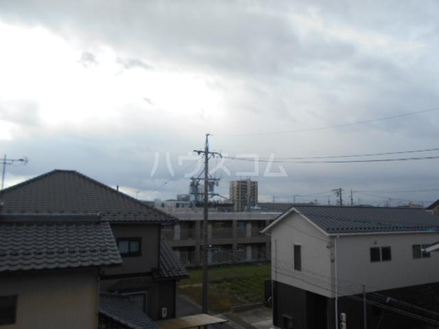 第1サンハイツ戸崎 203号室の景色