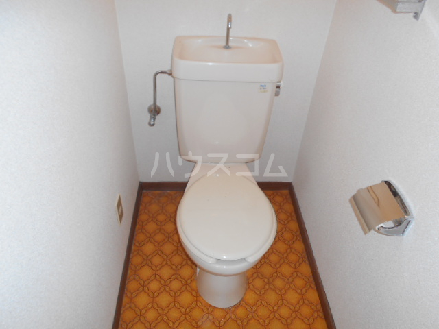 第1サンハイツ戸崎 205号室のトイレ