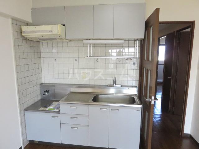 カーサ薬師寺 6D号室のキッチン
