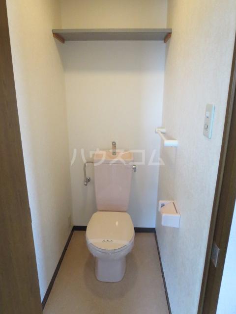 カーサ薬師寺 6D号室のトイレ