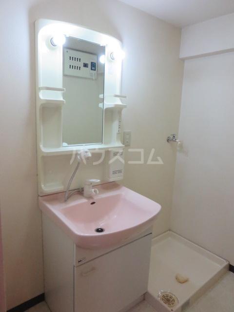 カーサ薬師寺 6D号室の洗面所