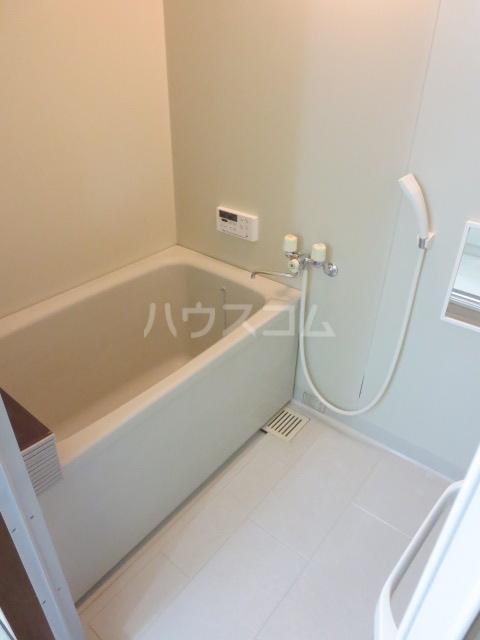 カーサ薬師寺 6D号室の風呂