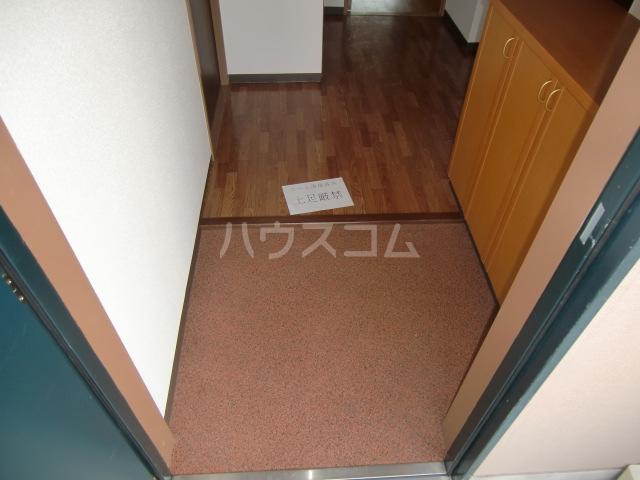 アコールヤマショウ 202号室の玄関