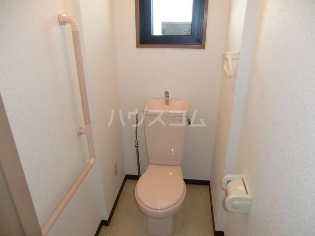 アコールヤマショウ 202号室のトイレ