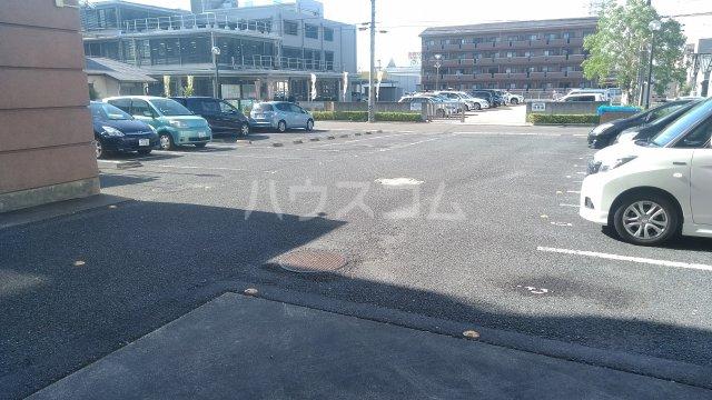 アコールヤマショウ 202号室の駐車場