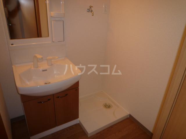 ベル・クオレ 303号室の洗面所