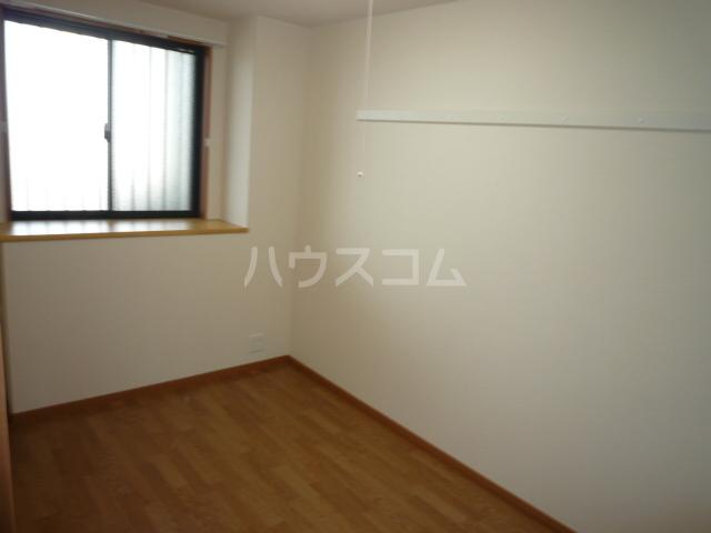 ベル・クオレ 303号室のベッドルーム