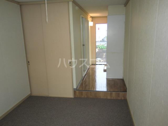 ルミエール野村 205号室の居室