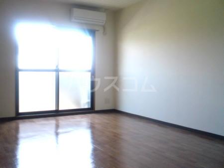 コアロードⅠ 101号室の居室