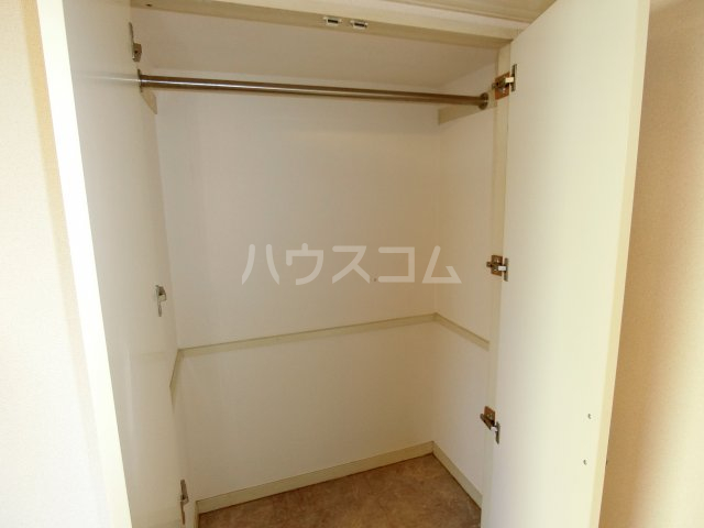 茶所レジデンス 103号室の収納
