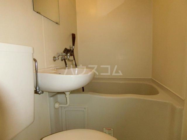 茶所レジデンス 203号室の風呂
