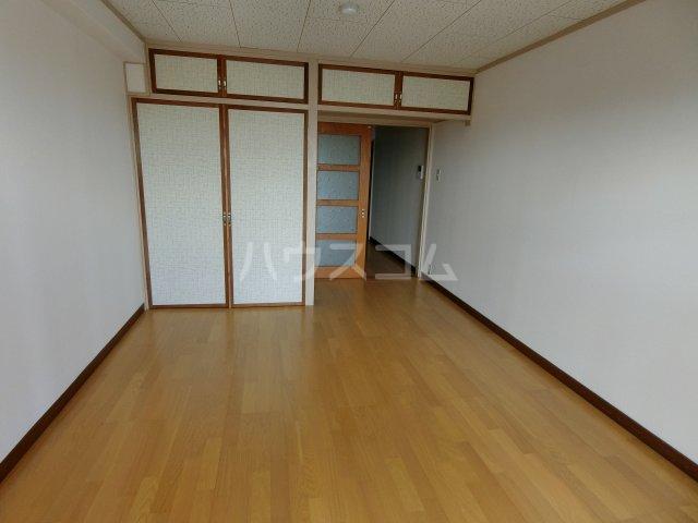 岐阜キャッスルビルB棟 1106号室の居室