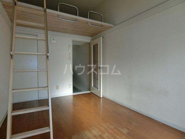 パレス忠節 105号室の居室