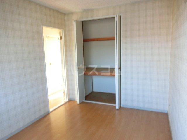 ホワイトハウス セブン B201号室の居室