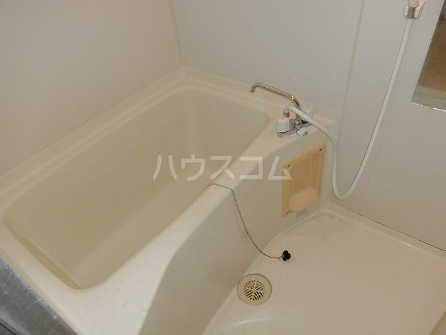 ベルセジュール B-201号室の風呂