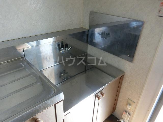 ベルセジュール B-201号室のキッチン