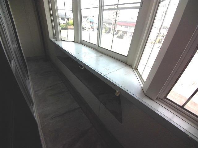 山久ビル 105号室のバルコニー