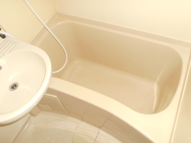 サンクレウェンズⅠ 1B号室の風呂