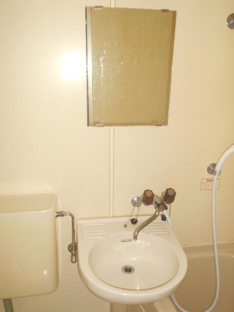 サンクレウェンズⅠ 1B号室の洗面所