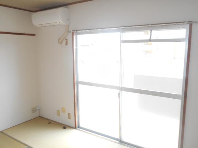 サンクレウェンズⅠ 1B号室のリビング