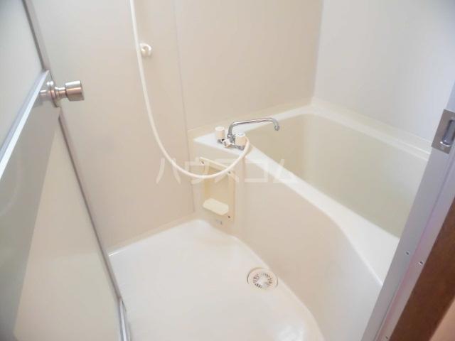 ハッピネス 305号室の風呂