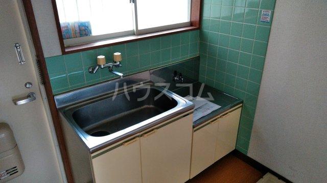 メルヘン渡辺 201号室のキッチン