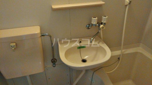 メルヘン渡辺 201号室の洗面所