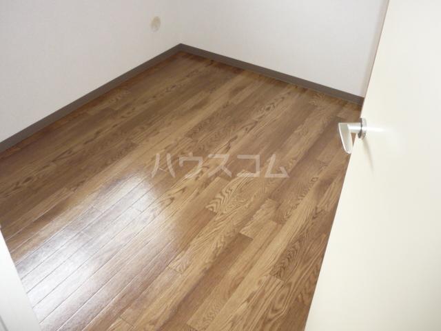 サンヒルズ東戸塚 A103号室の収納