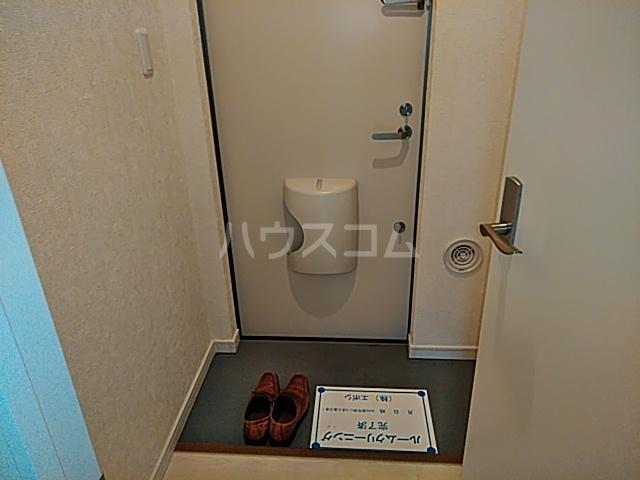 Windy Hills 横浜吉野町 201号室の玄関