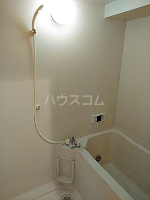 ピュアパレス 106号室の風呂