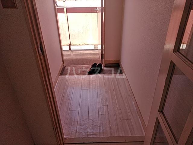 サザンノーブル上大岡 207号室の玄関