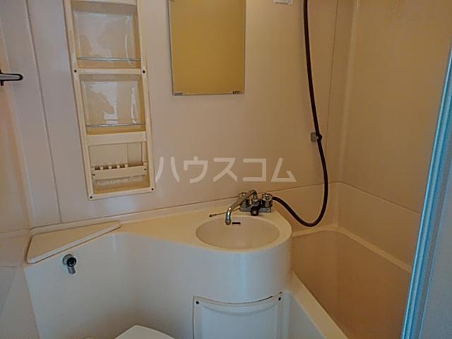サザンノーブル上大岡 207号室の風呂