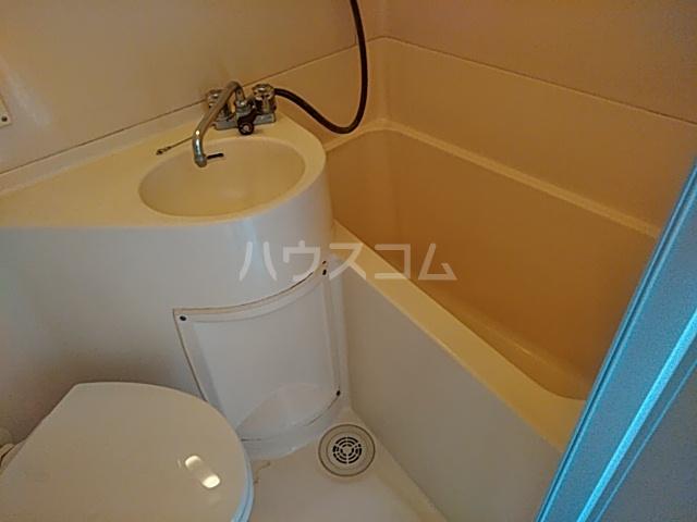 サザンノーブル上大岡 207号室の洗面所
