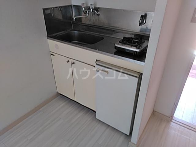 サザンノーブル上大岡 207号室のキッチン