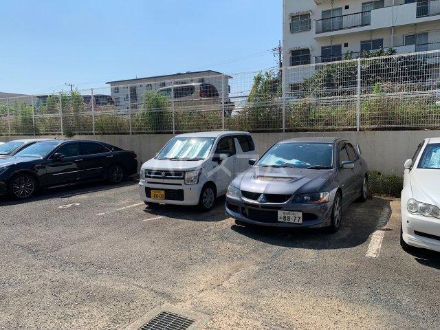 名瀬東ハイツ 101号室の駐車場