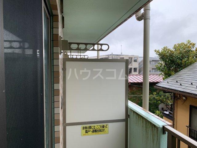 横浜元町ガーデン12 301号室のバルコニー