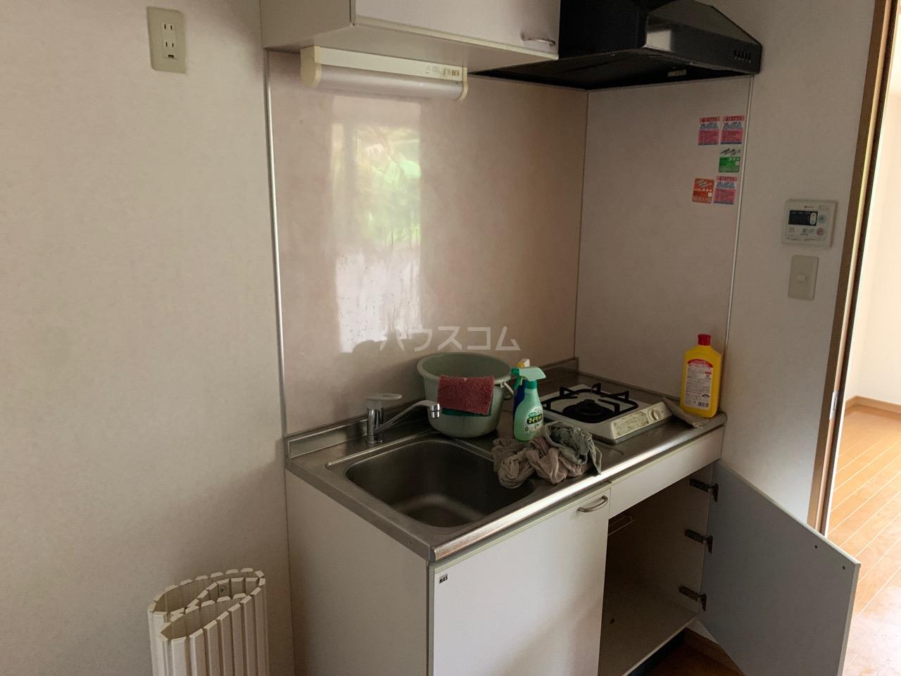 横浜元町ガーデン12 301号室のキッチン