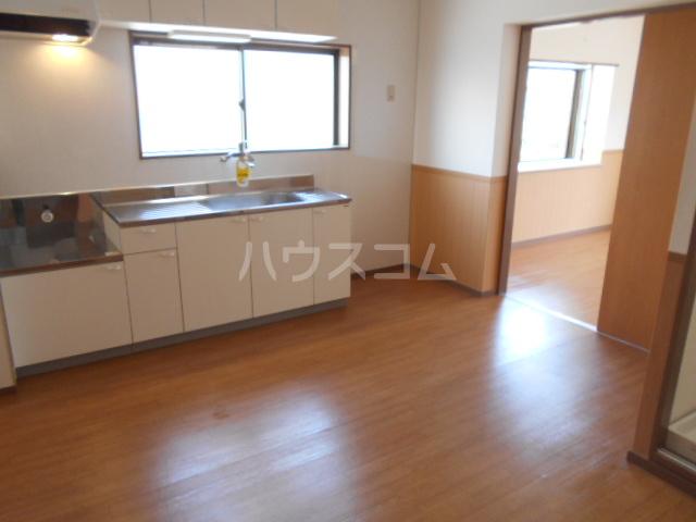サンハイツホリウチ上倉田 201号室のキッチン