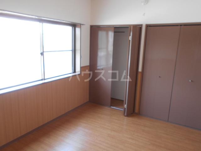 サンハイツホリウチ上倉田 201号室のリビング